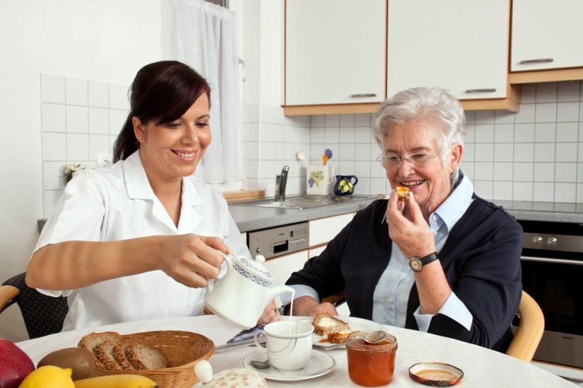Resultado de imagen para atencion domiciliaria y alimentacion familiar